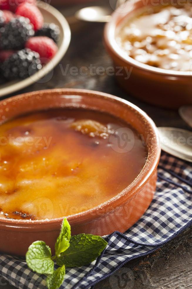 crème brulée caramellato gourmet foto
