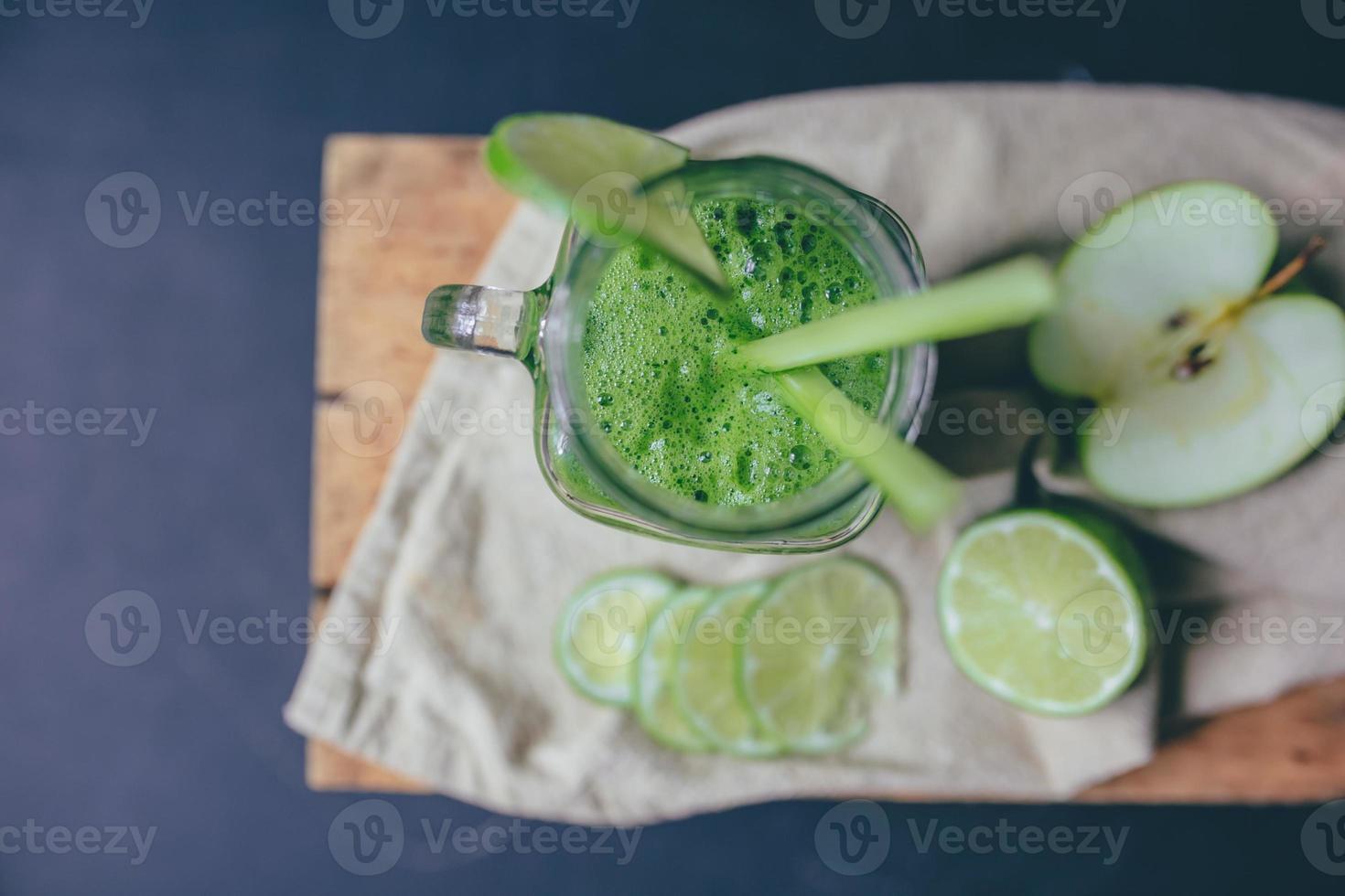 frullato di succo verde foto