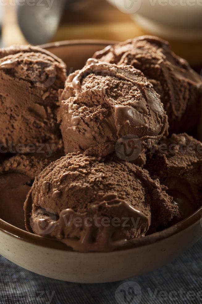 gelato artigianale al cioccolato fondente foto