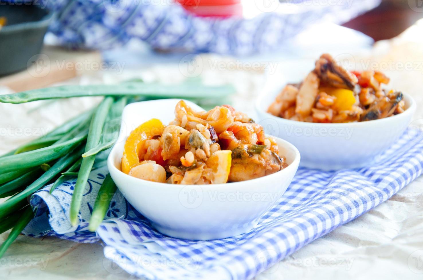 piatto nazionale italiano di paella di pesce foto