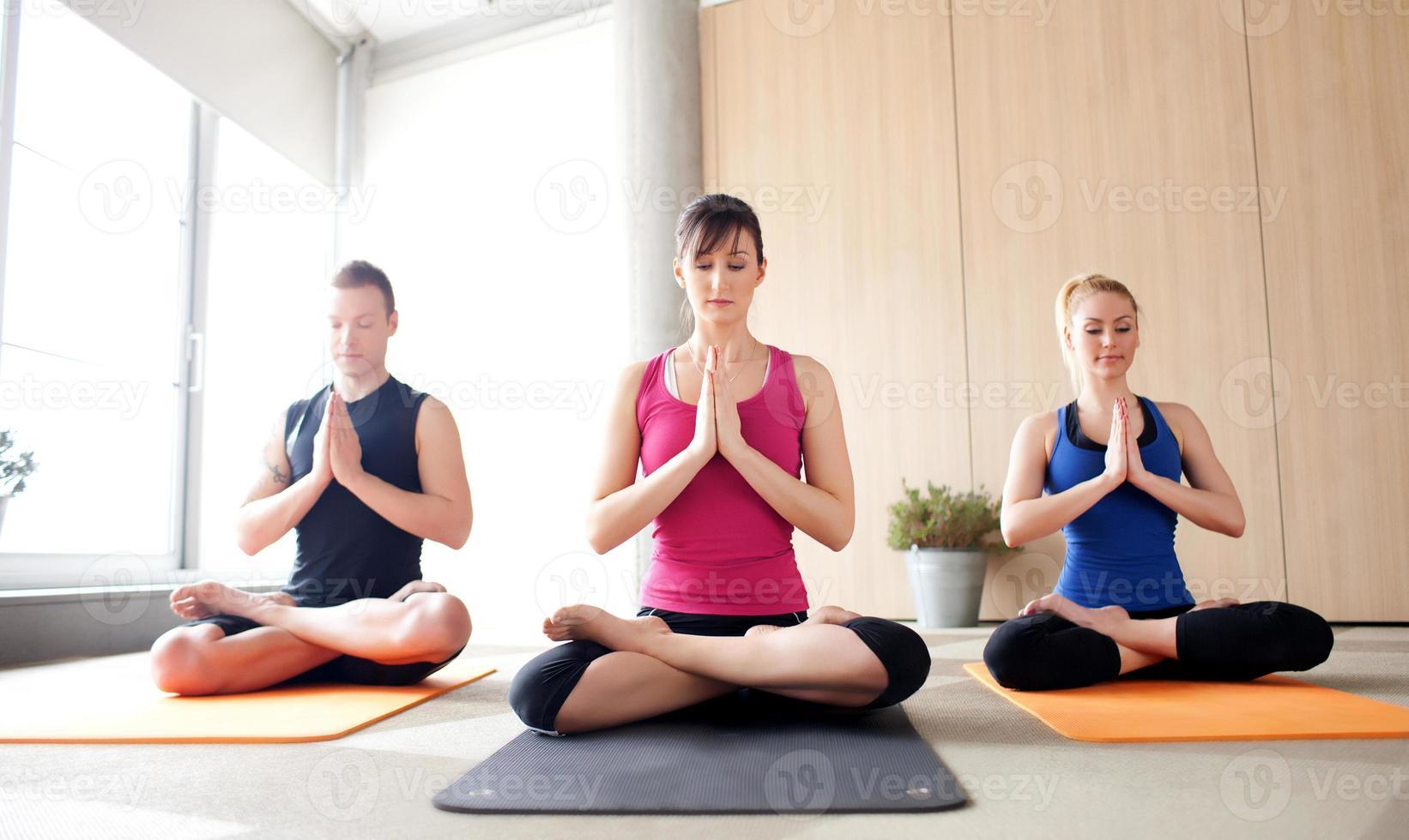 lezione di yoga foto