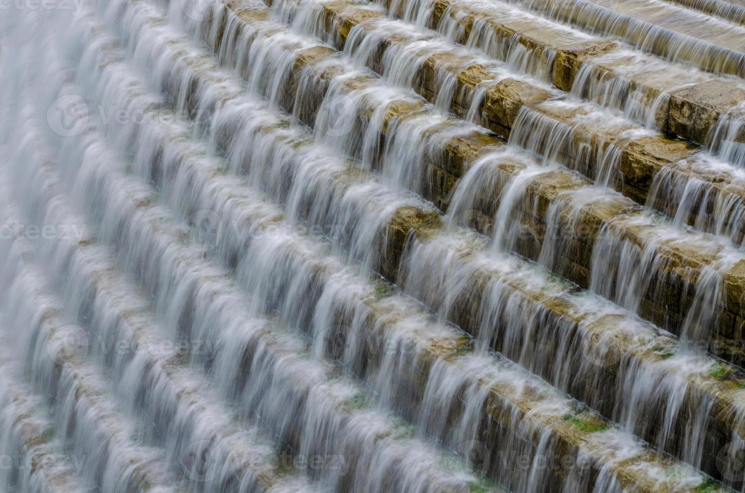cascata al serbatoio della diga di Croton foto