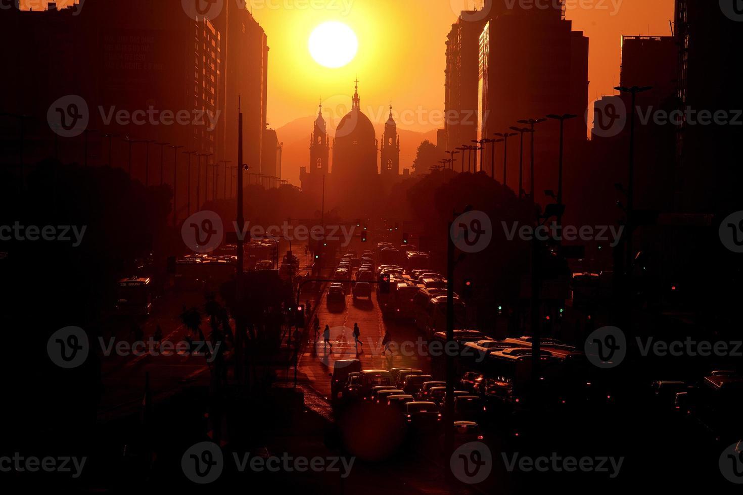 alba al presidente vargas avenue con la chiesa candelaria foto