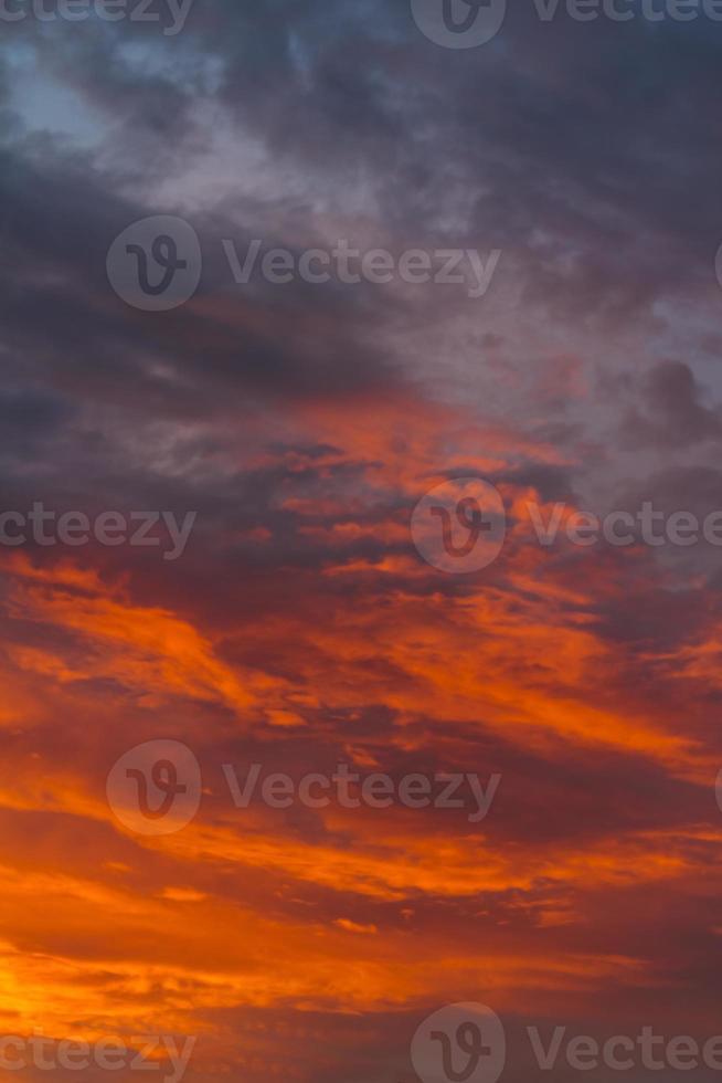cielo blu al tramonto foto