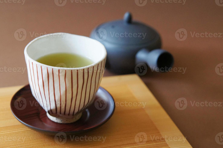 tazza e tè verde giapponese foto