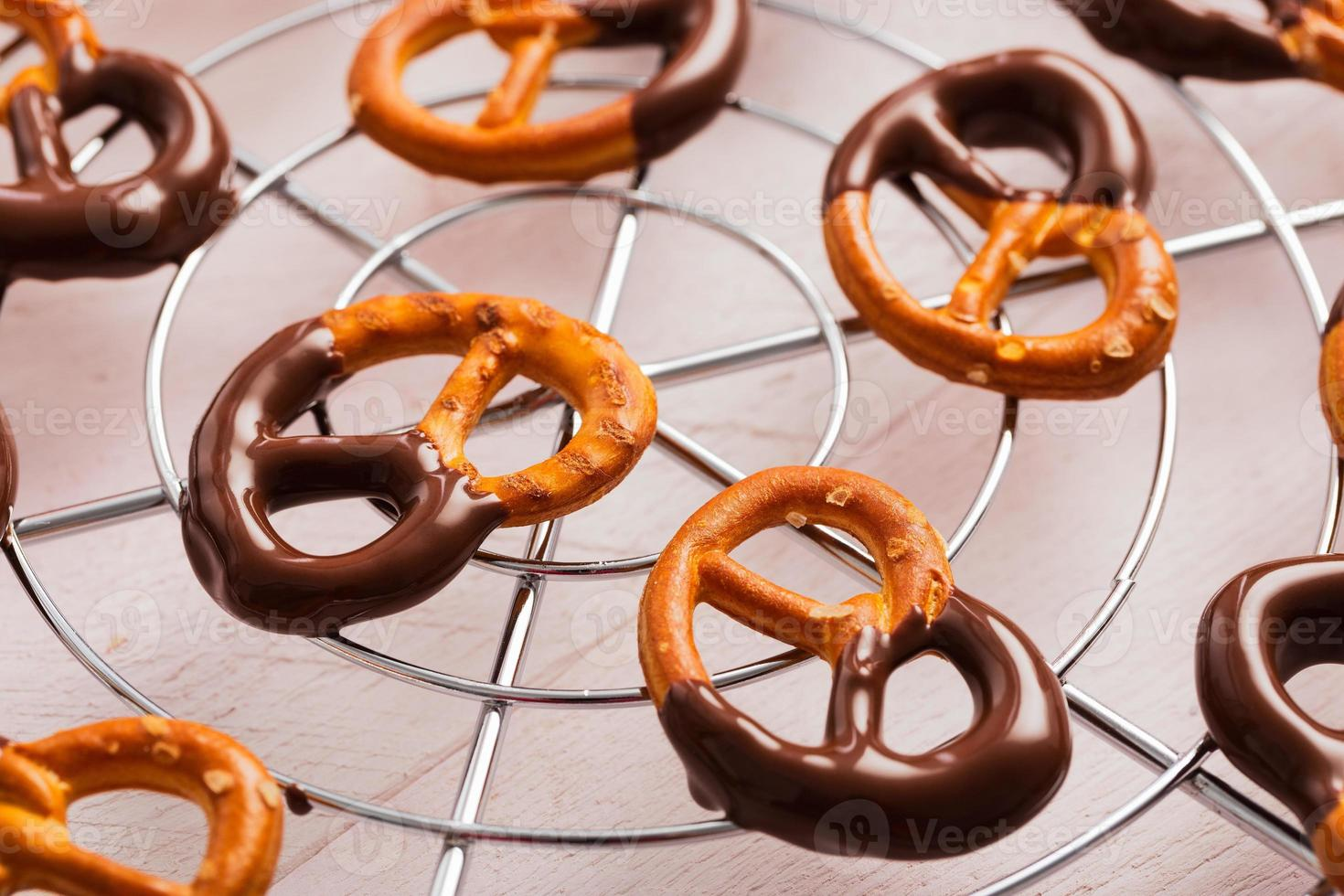 salatini ricoperti di cioccolato fondente foto