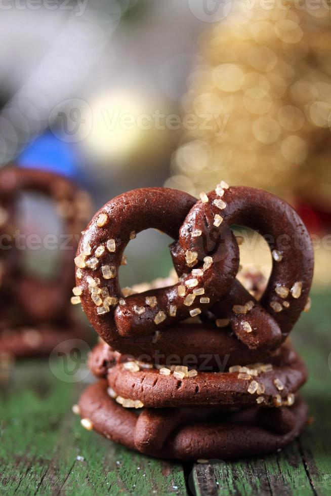 biscotti pretzel al cioccolato foto