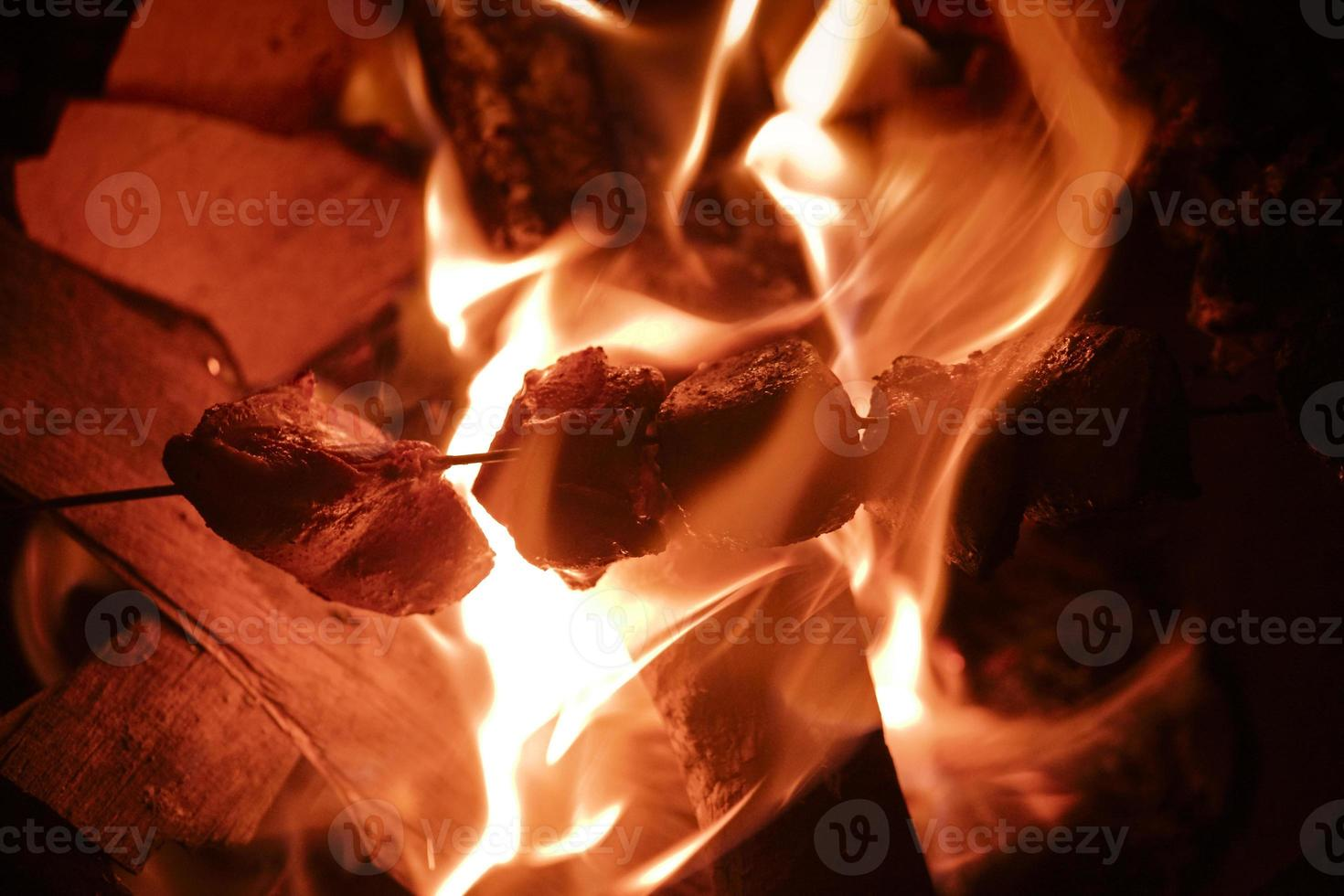 pollo grigliato alla fiamma foto