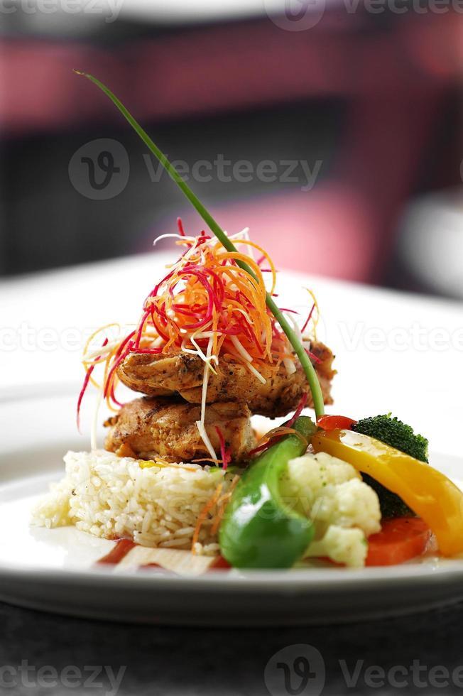 vicino riso masala pollo fritto foto