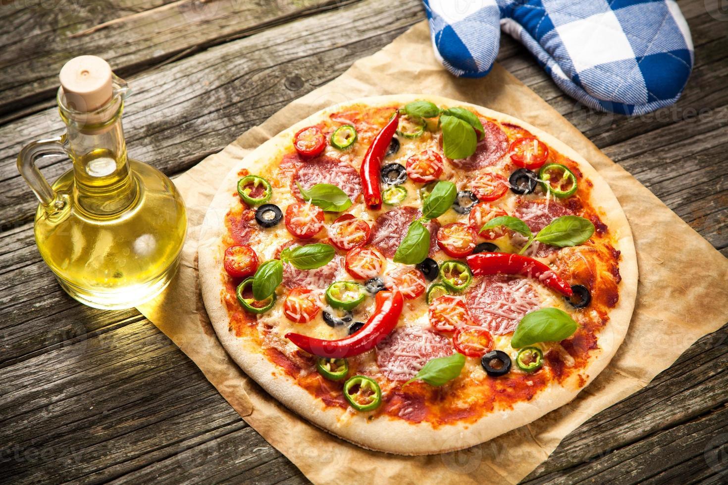 deliziosa pizza fatta in casa foto
