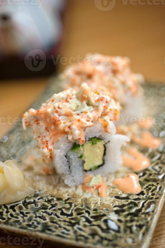 maki sushi in stile giapponese foto