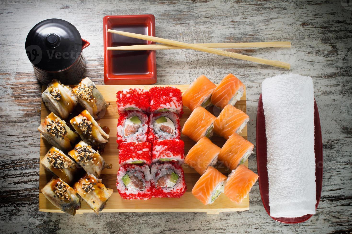rotolo di sushi foto