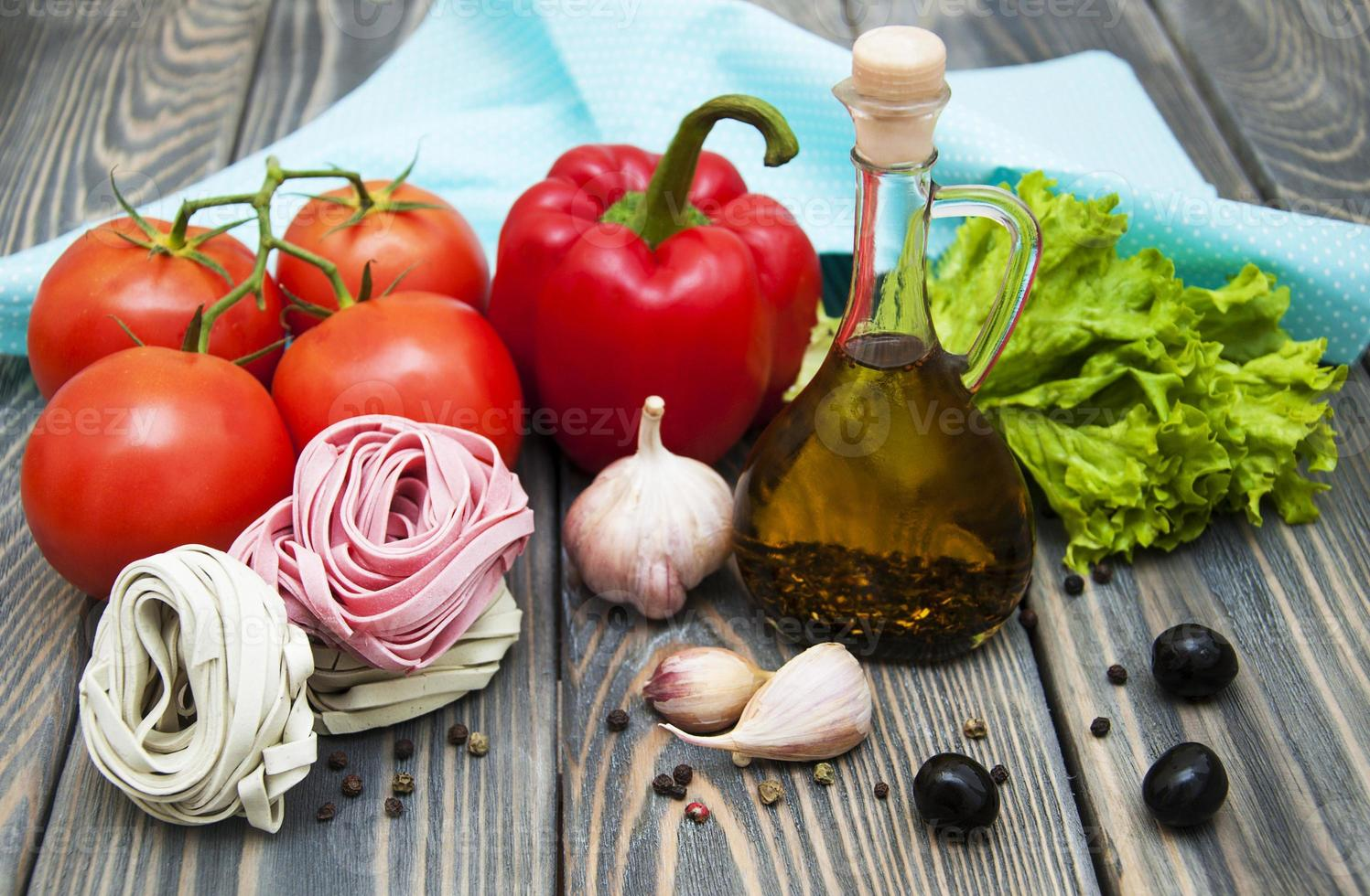 ingredienti per la pasta italiana foto