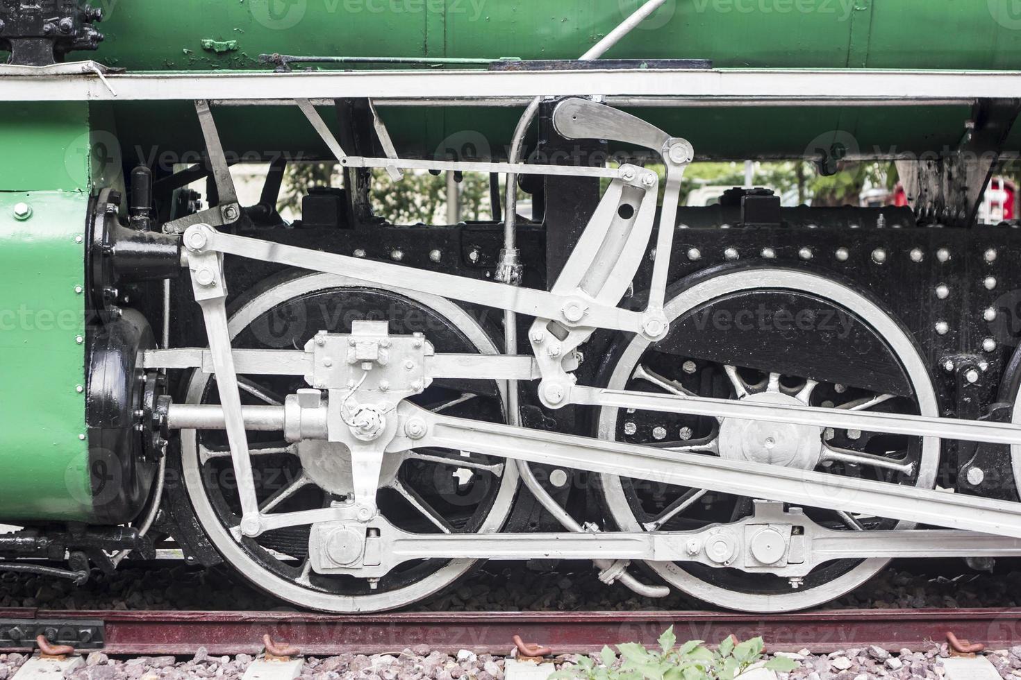 vecchio treno vintage, ruota del treno foto