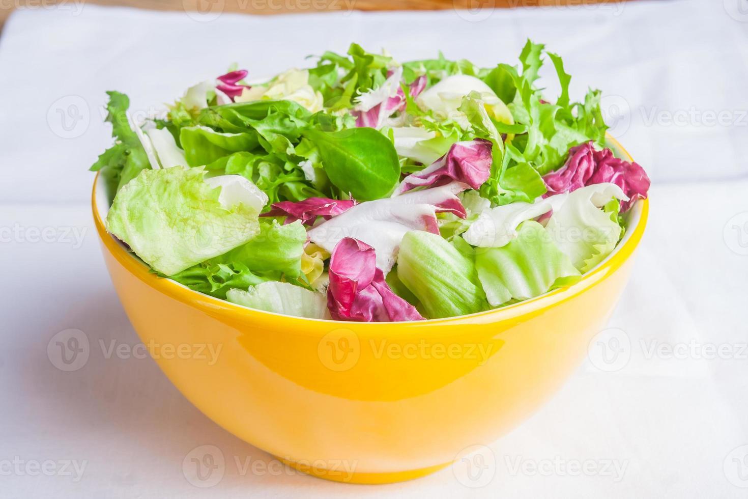 insalata mista di lattuga. foto