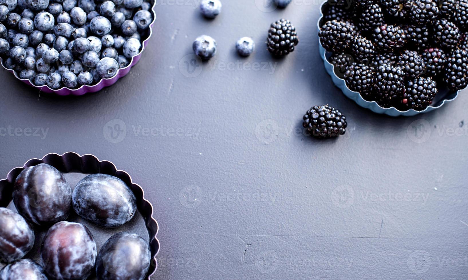 frutta blu foto