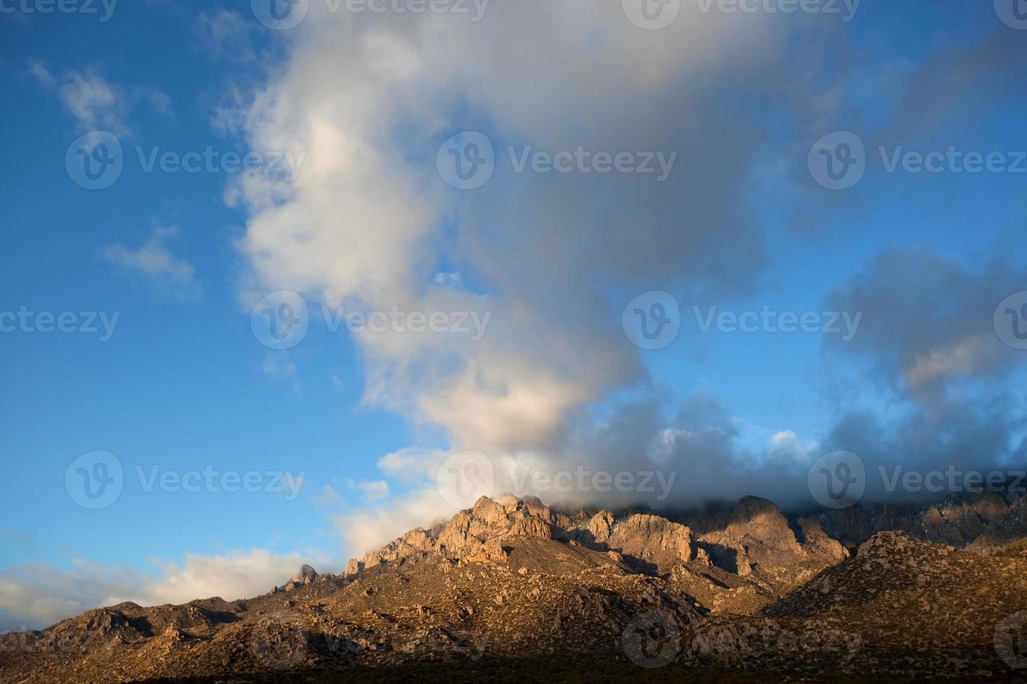 drammatico paesaggio montano foto