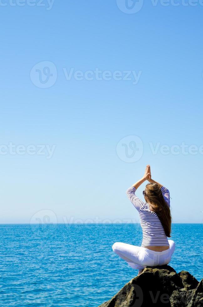 donna al mare foto