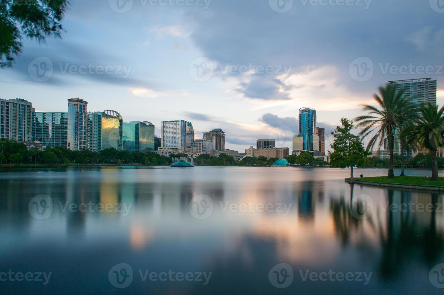 Lago Eola al tramonto a Orlando foto