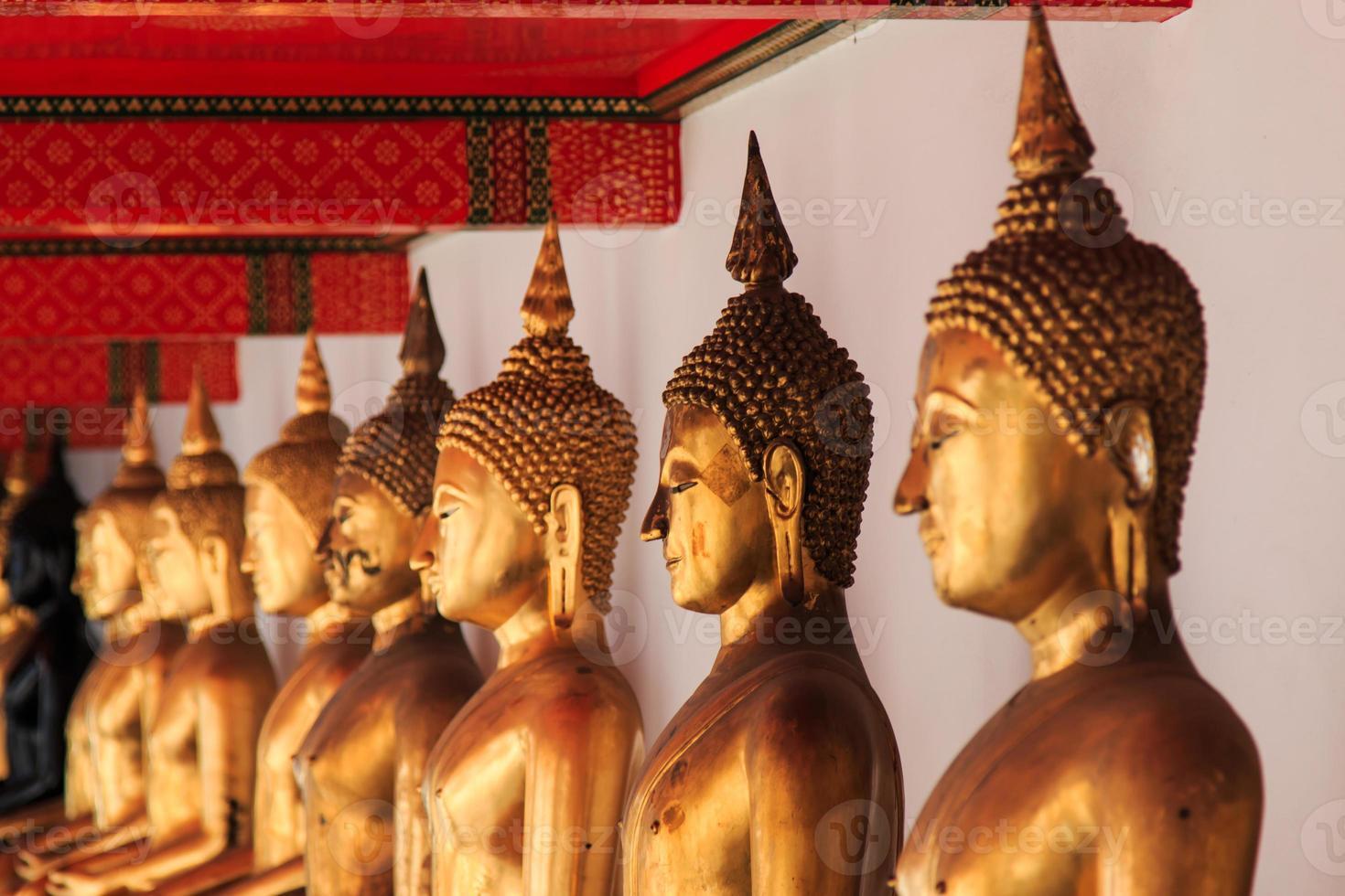 Statua di Buddha a Bangkok, in Thailandia foto