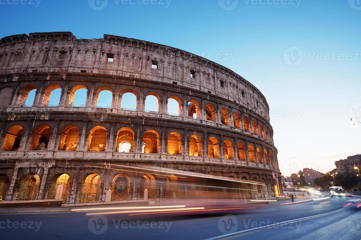 Colosseo, Roma - Italia foto