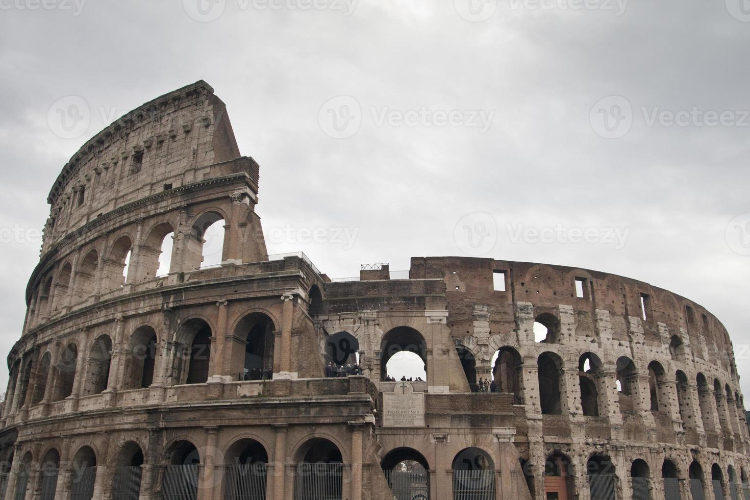 italia - roma, il colosseo foto