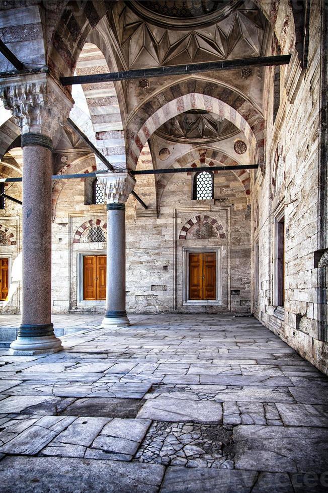 cortile della moschea beyazit camii foto