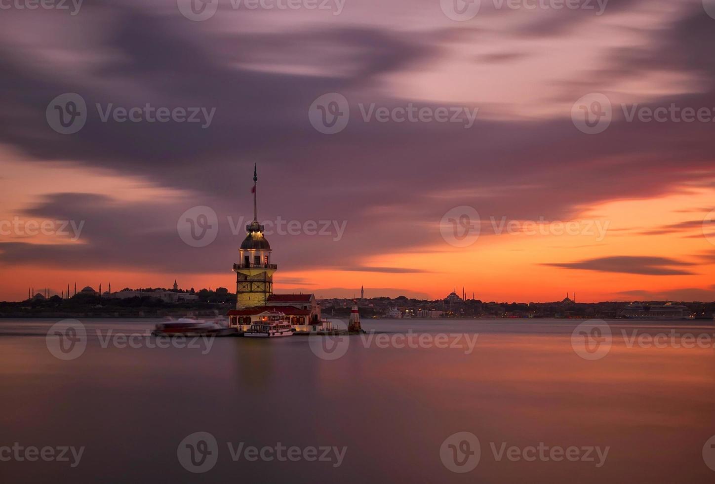 torre della fanciulla lunga esposizione foto