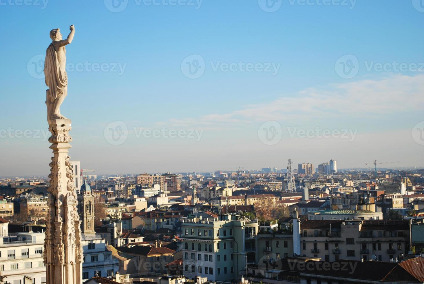 vista panoramica di milano foto