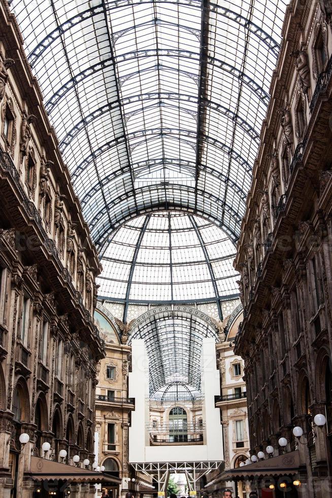 vittorio emmanuele gallery magnifici interni, milano, italia foto