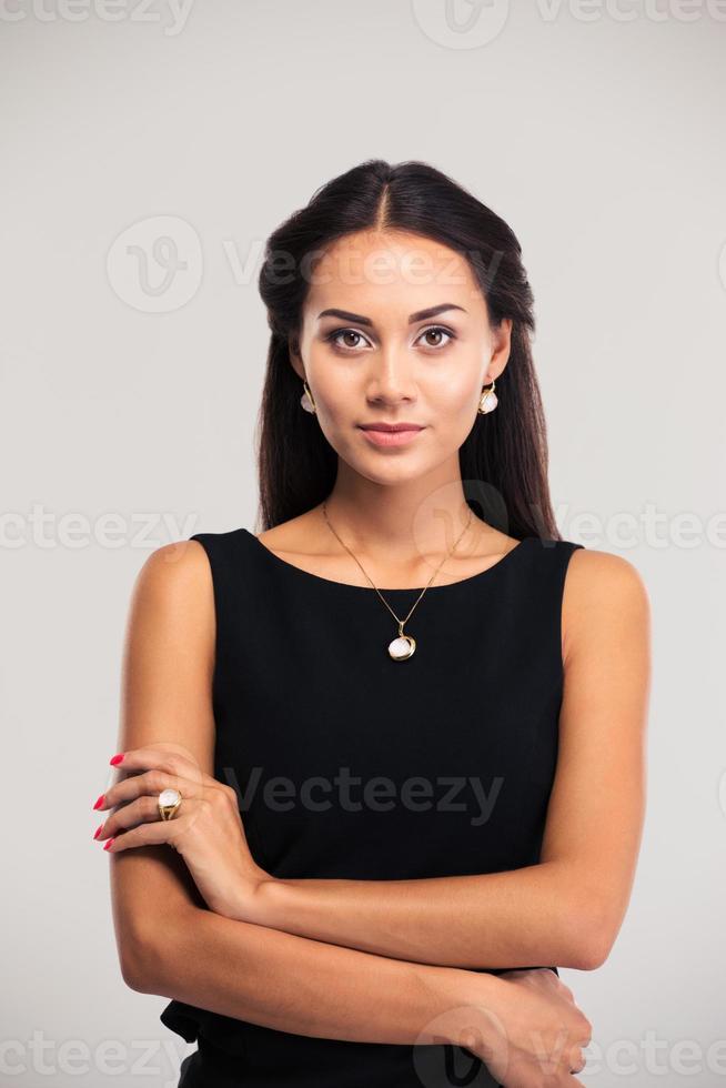 simpatico modello femminile in abito nero foto