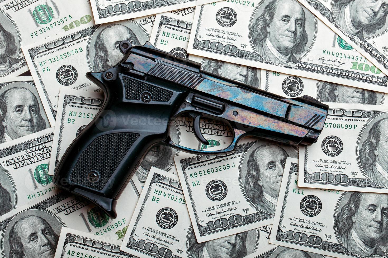soldi e gun.dollars foto