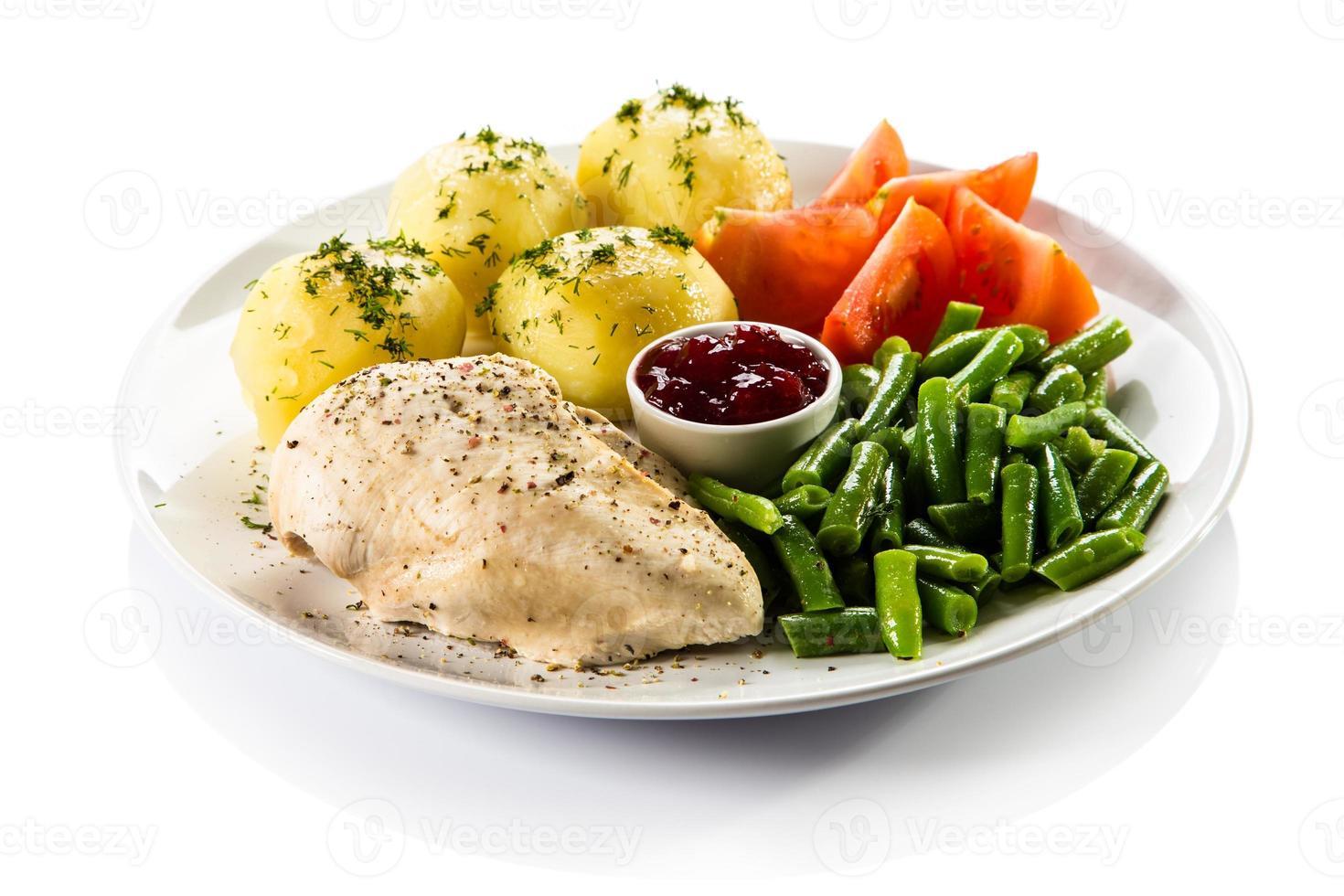 carne e verdure bollite foto