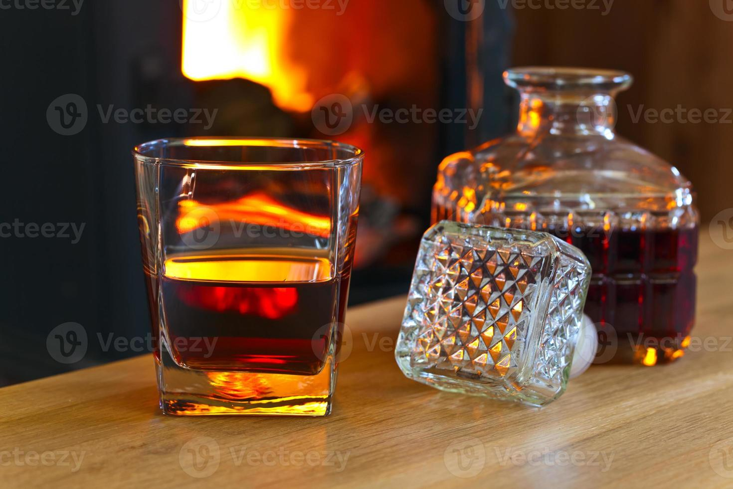 bicchiere con whisky foto