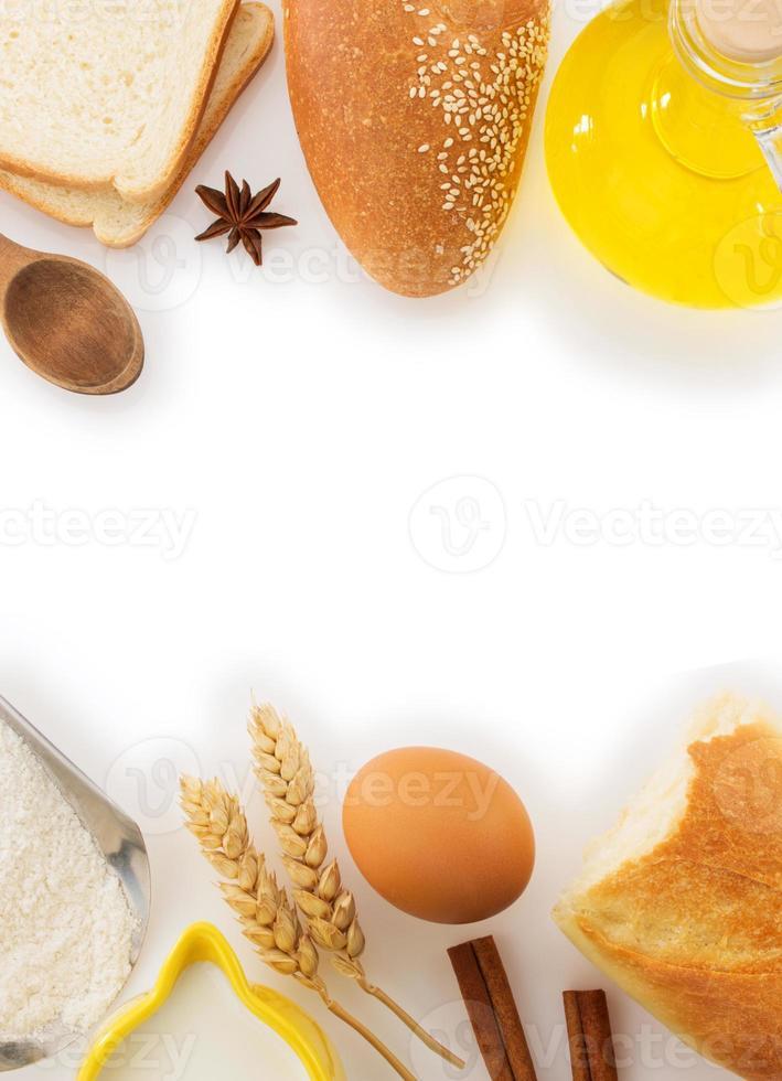 pane fresco su bianco foto
