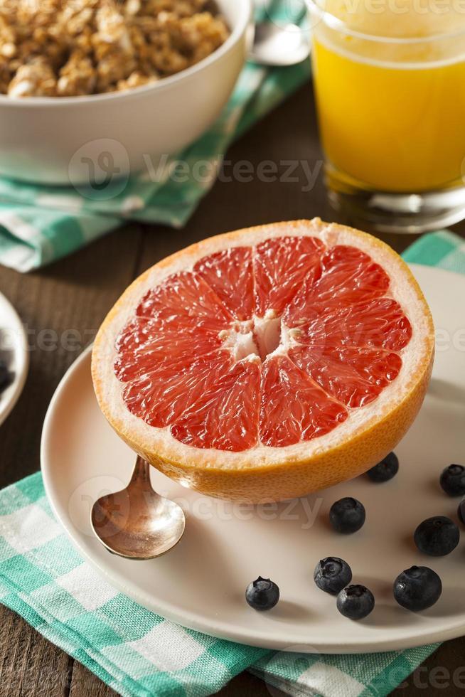pompelmo sano biologico per la colazione foto
