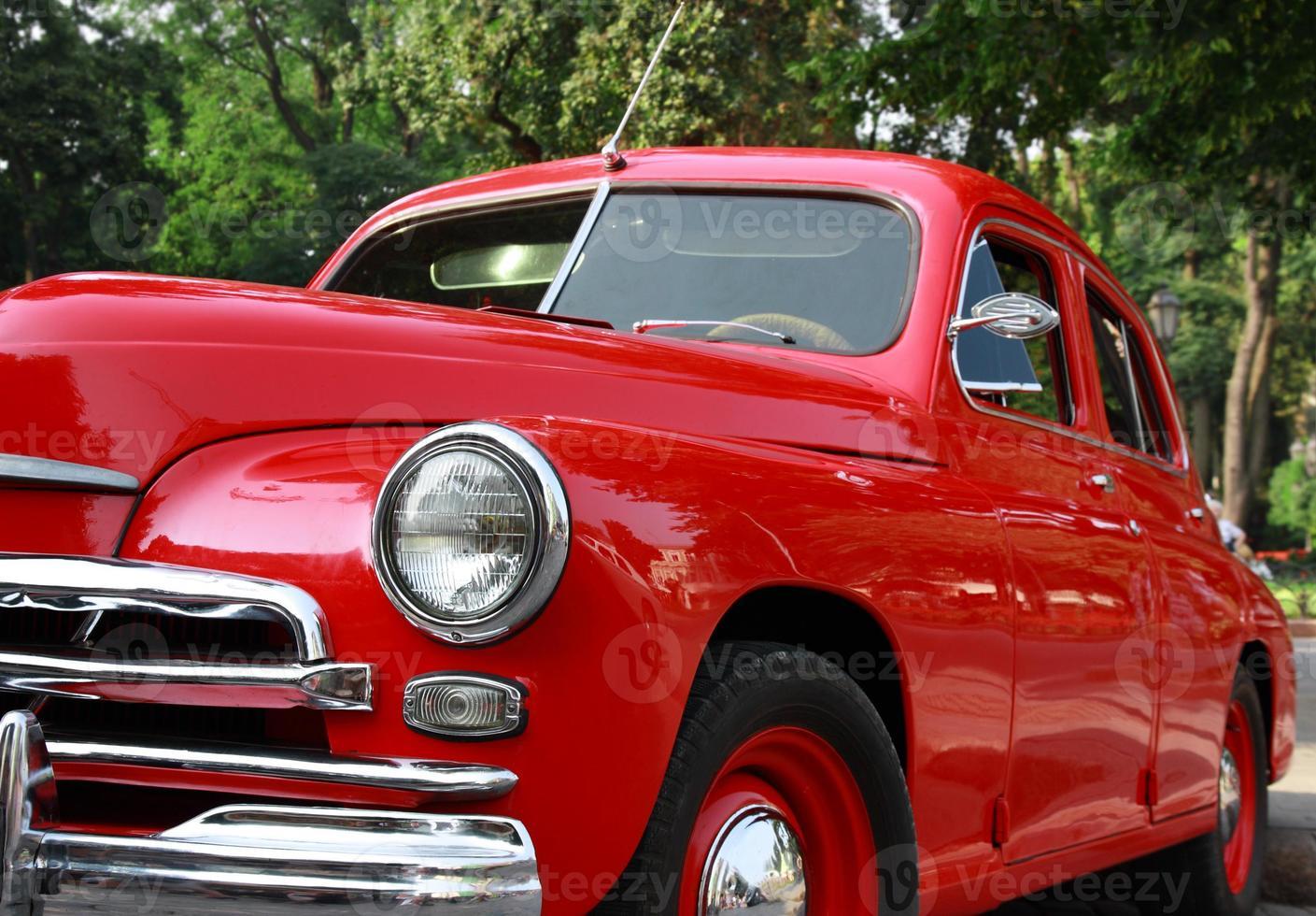 auto classica retrò rossa foto