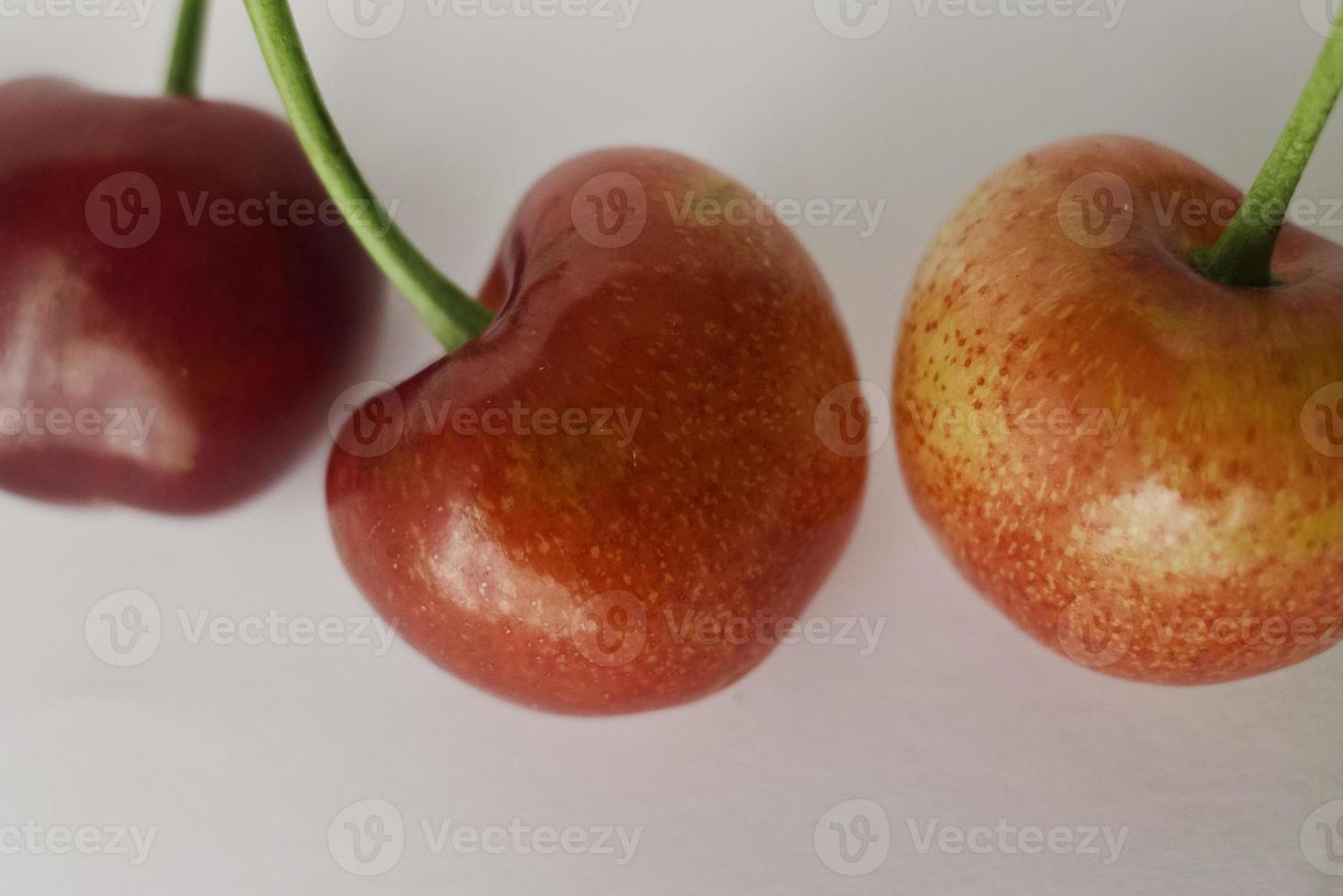 ciliegie mature di puglia al chiuso. foto