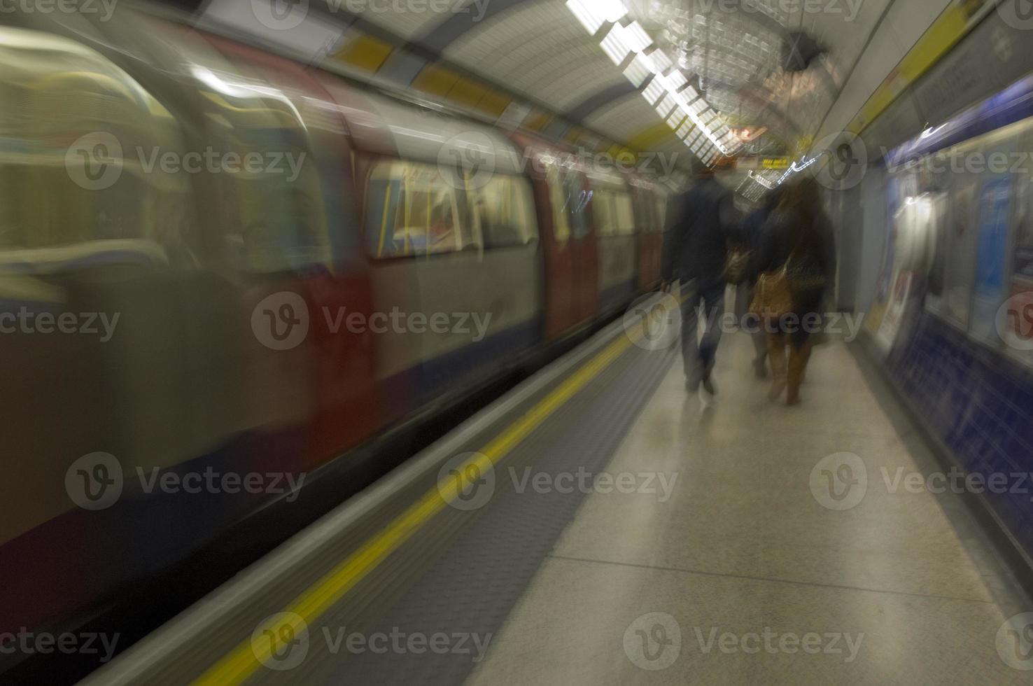 treno rimbombante foto