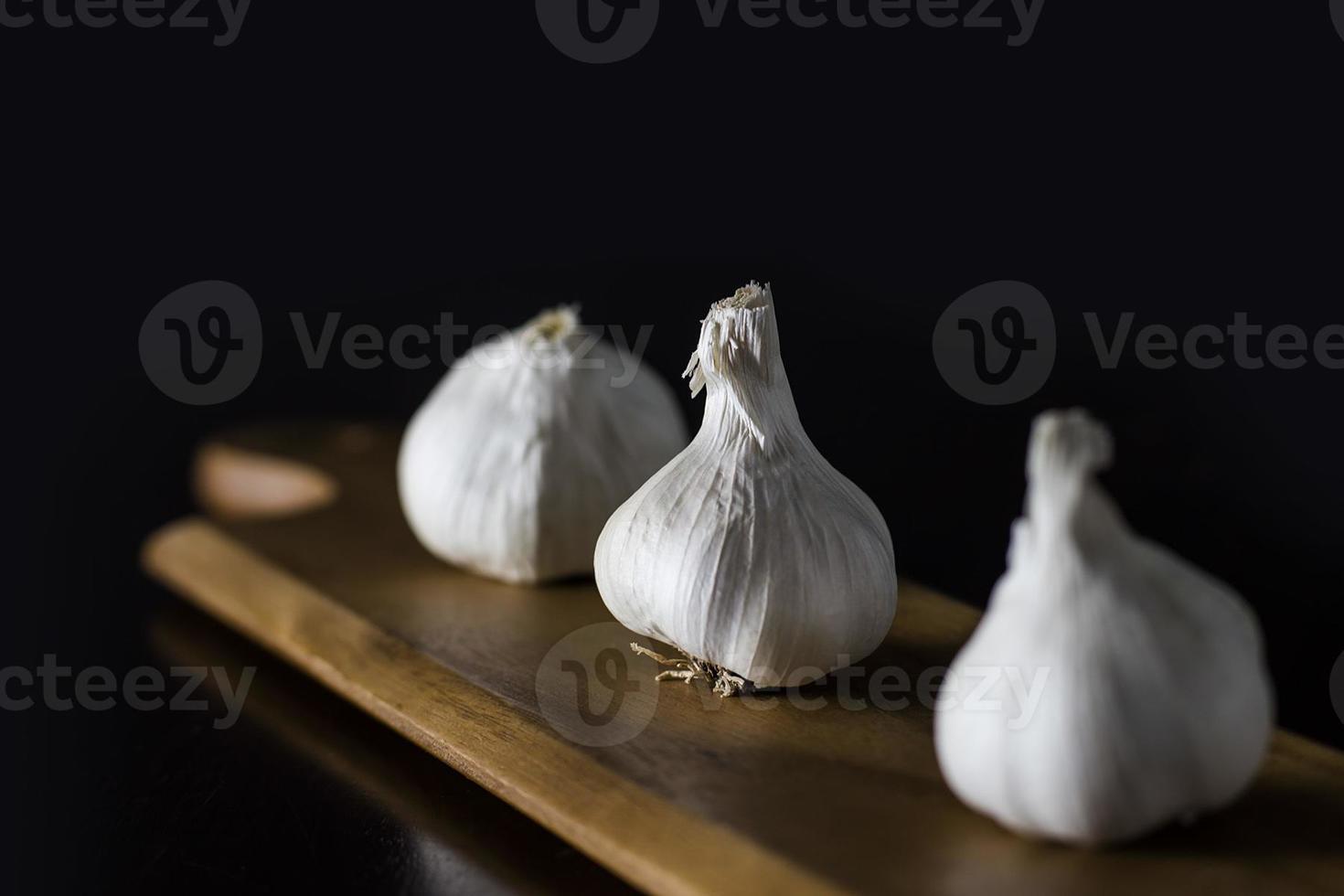 tre bulbi d'aglio foto
