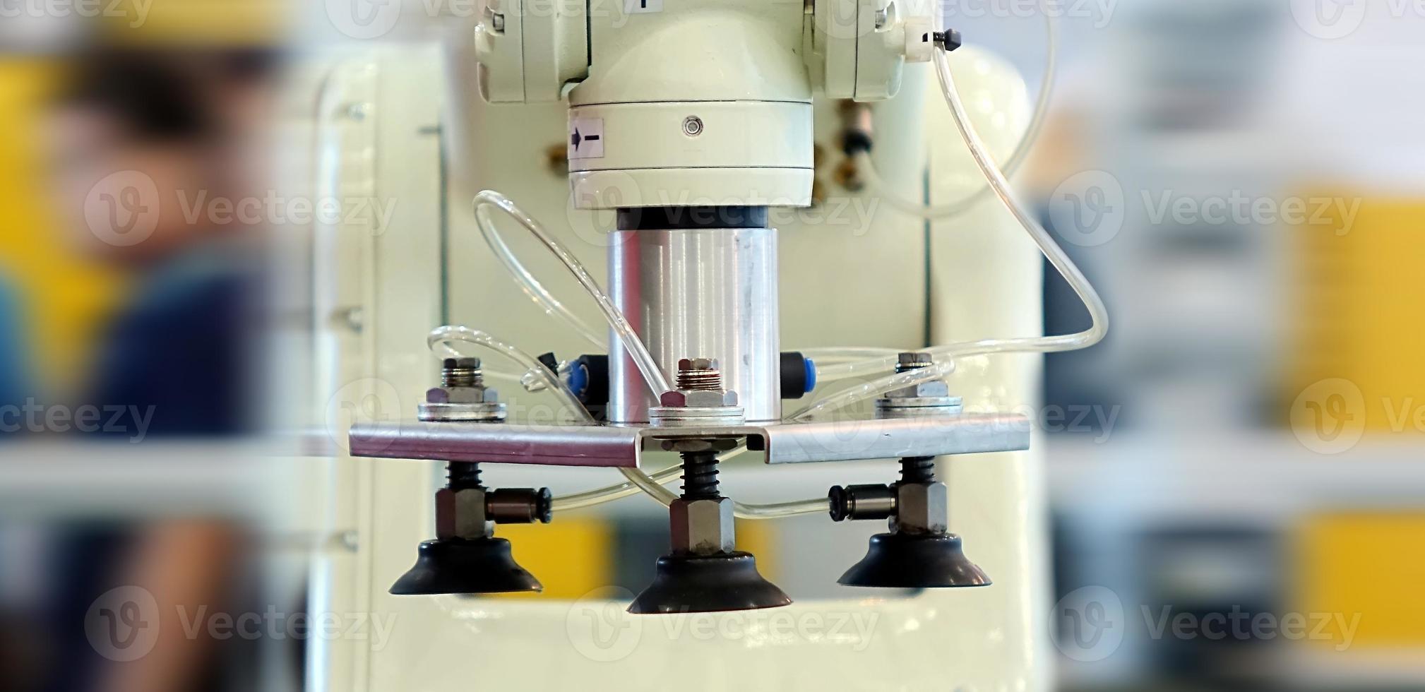 macchina utensile di precisione automatizzata foto