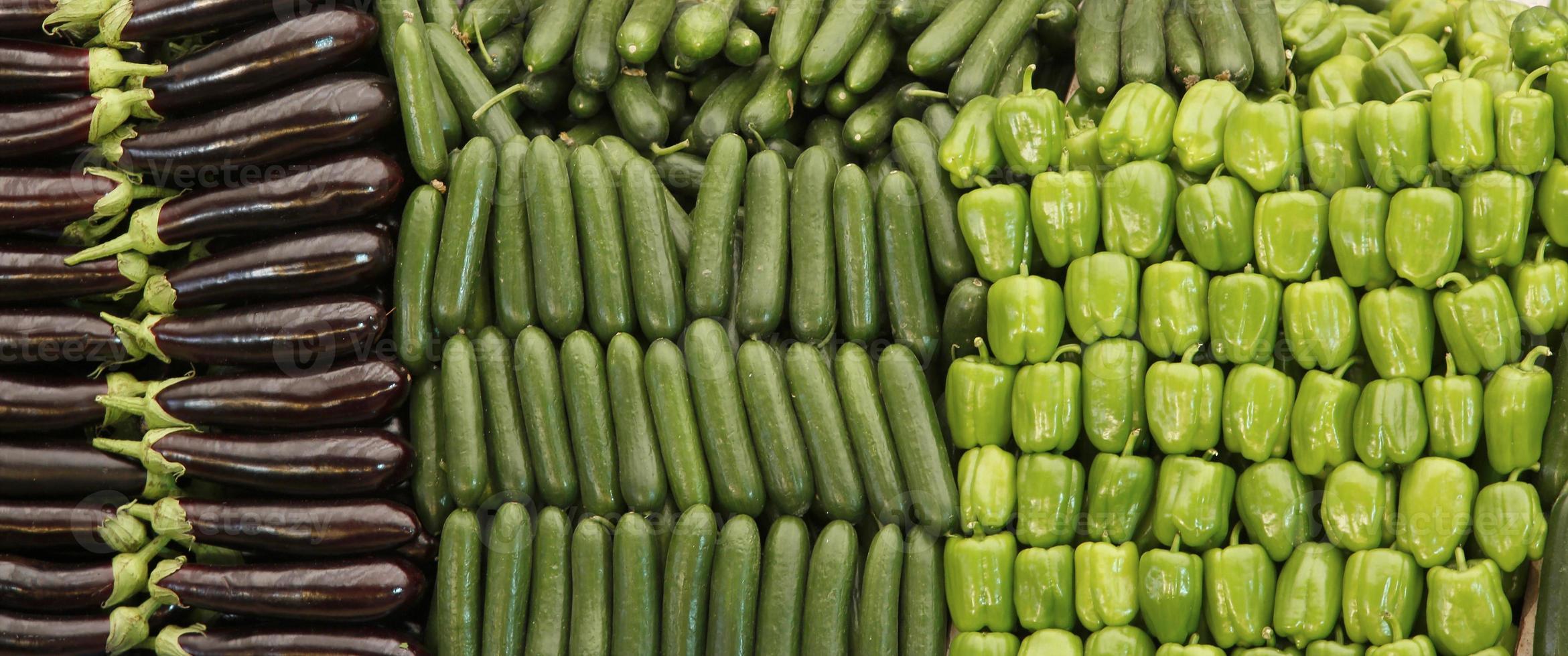 frutta e verdura nel tradizionale bazar turco di generi alimentari. foto