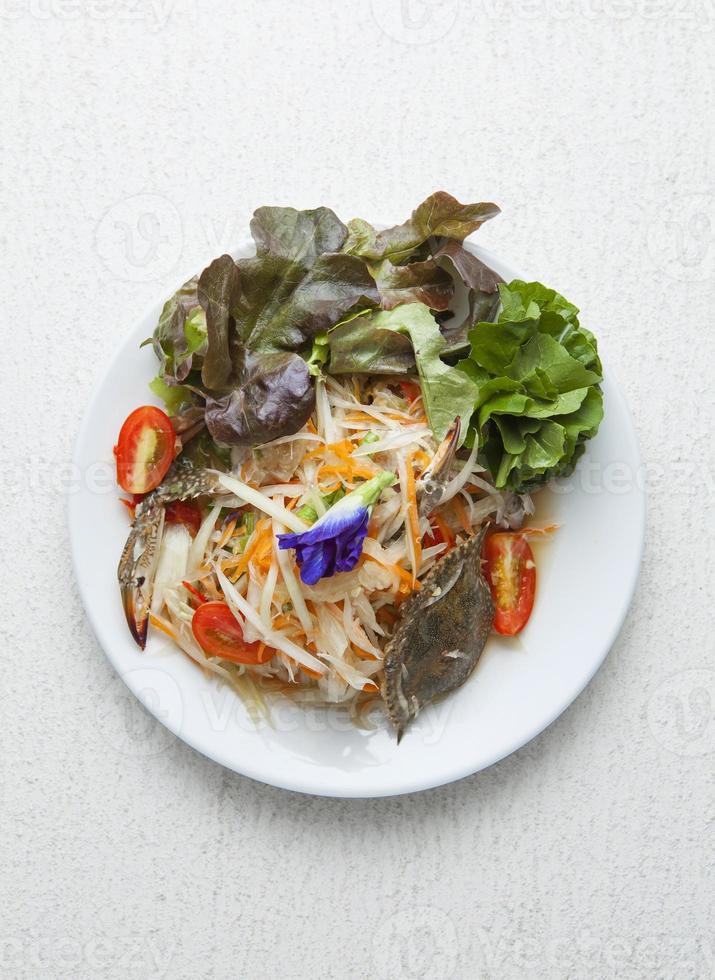 som tum, insalata di papaya tailandese foto