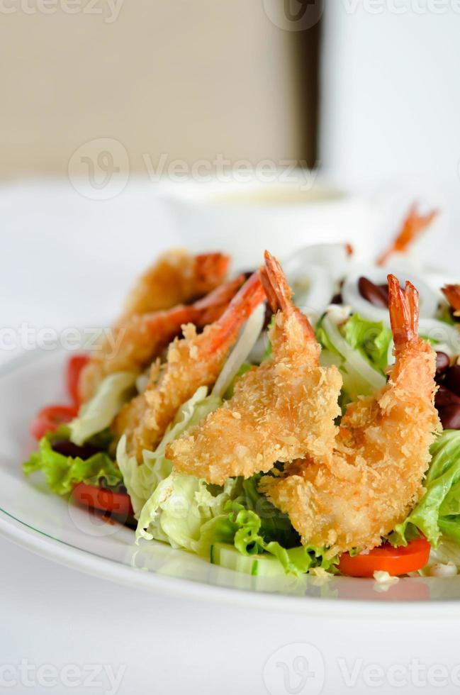 Chiuda in su insalata fresca foto