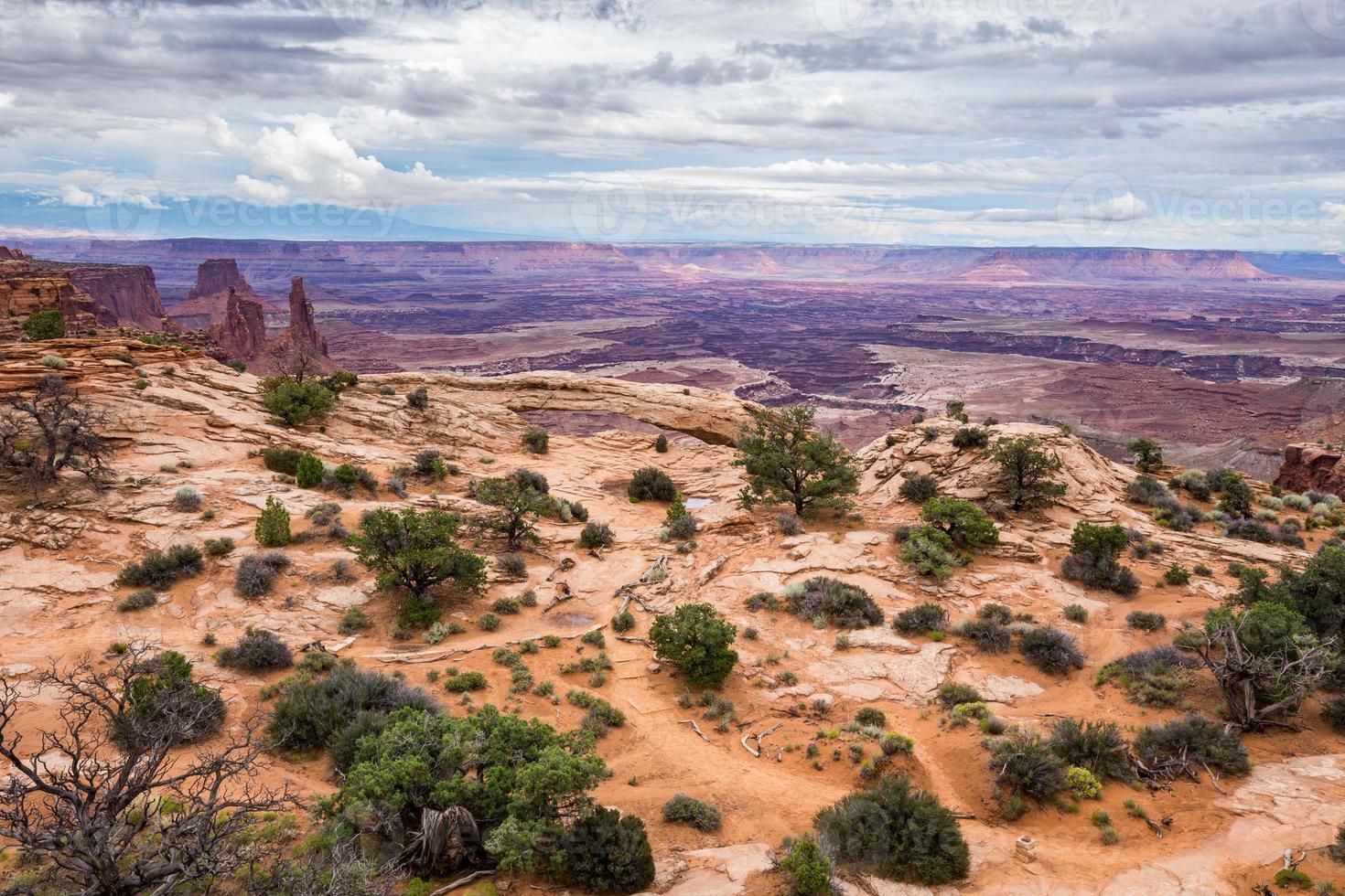 arco di mesa nel parco nazionale di canyonlands, Utah foto