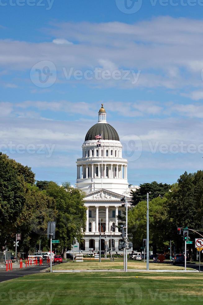 la California State Capitol dal Capitol Mall foto