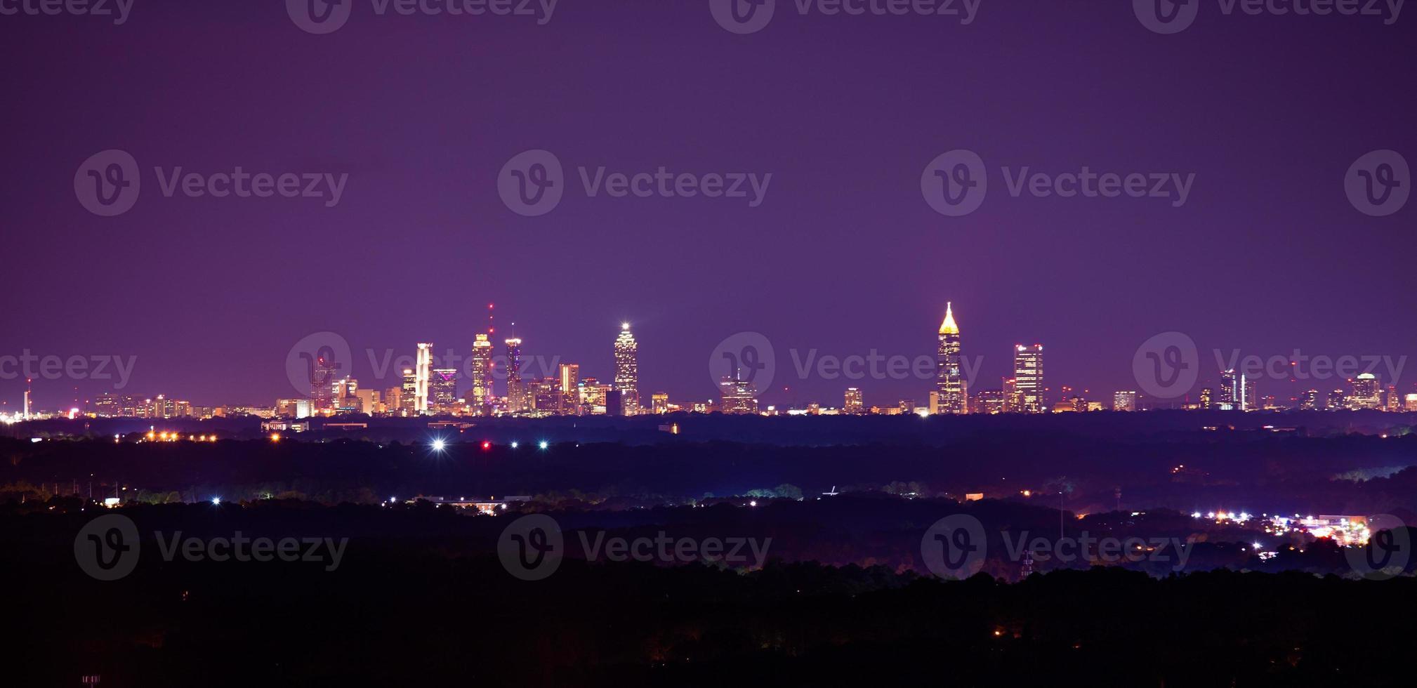 foto di paesaggio notturno del centro di atlanta