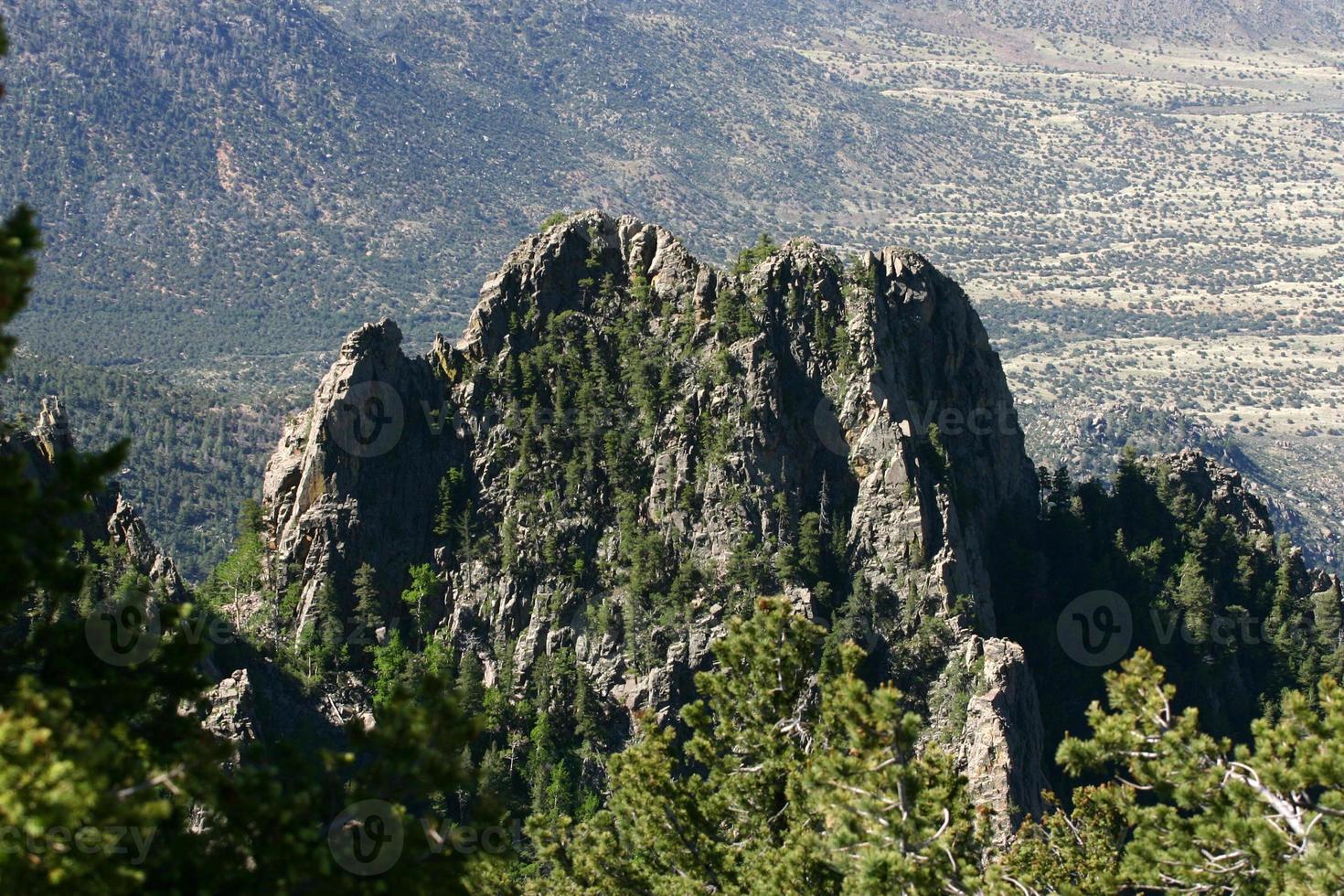 montagne frastagliate foto