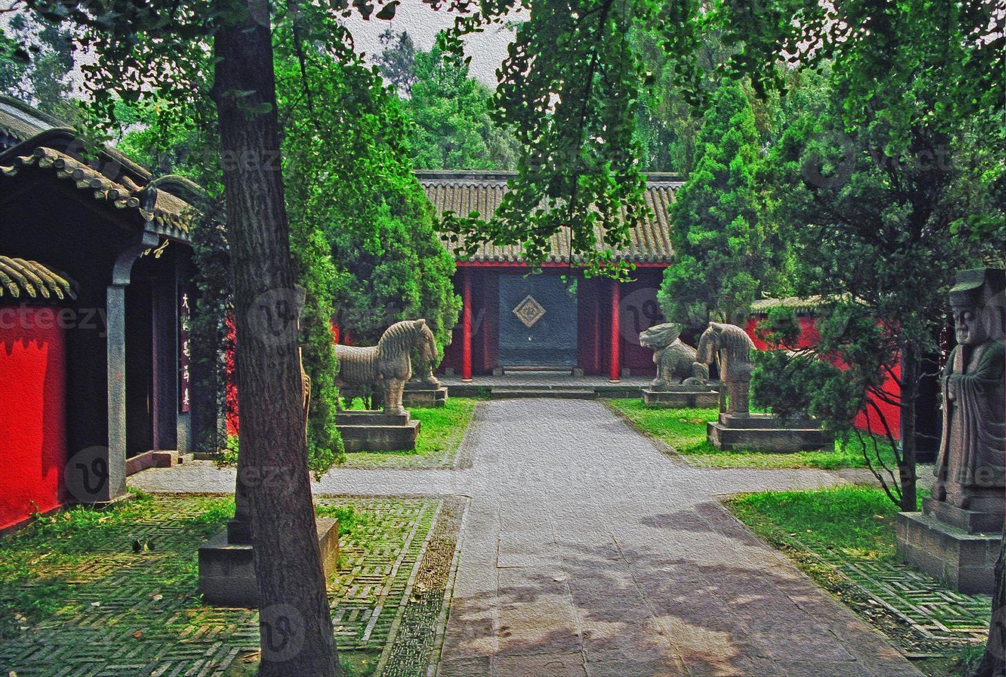 vicolo del tempio con statue di pietra a Chengdu, in Cina foto