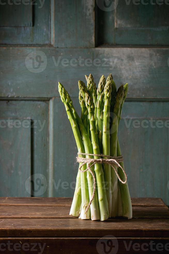 asparagi verdi foto